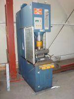 Prensa hidráulica tipo C  MED 30