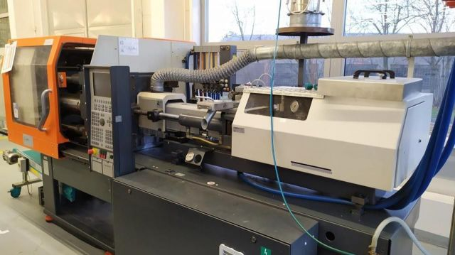 Plastics Injection Molding Machine DEMAG Ergotech Extra 100-310 2005
