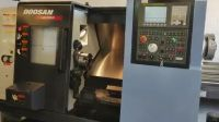 Mașină de frezat CNC DOOSAN LYNX 220LC