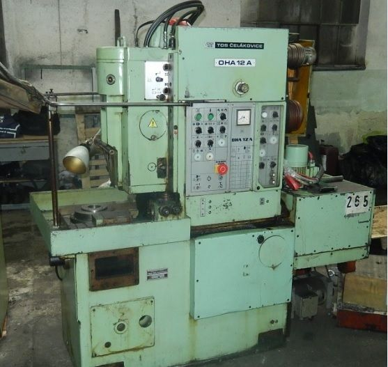 Vertical Slotting Machine TOS OHA 12 A 1986