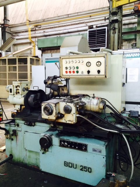 Internal Grinding Machine TOS BDU 250/600 1971