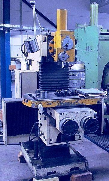 Werkzeugfräsmaschine MAHO MH  700 1973