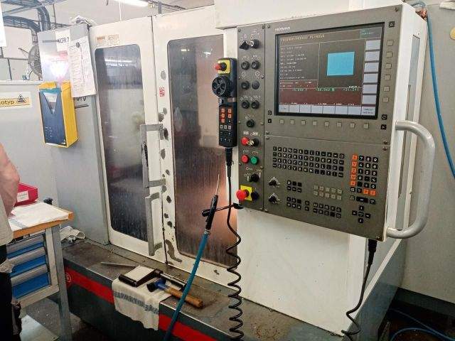 CNC Vertical Machining Center MAS MCV 500 Quick 2004