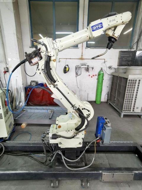 Robot de soldadura OTC DAIHEN FD-B4L 2015