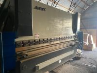 CNC Hydraulic Press Brake Accurl MB8-225Tx4000