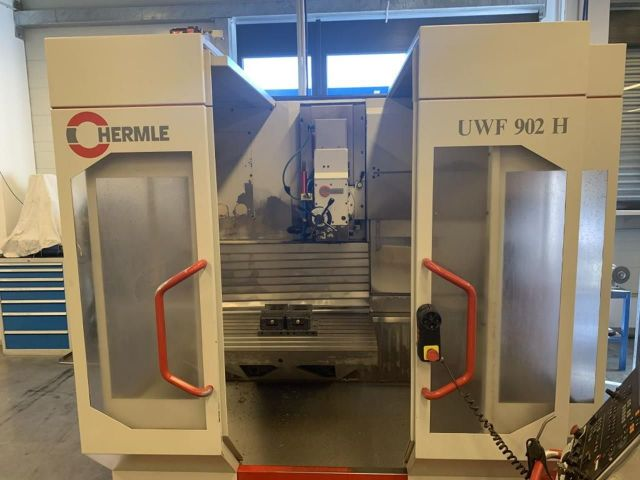 CNC Horizontal Machining Center HERMLE UWF 902 H 1997