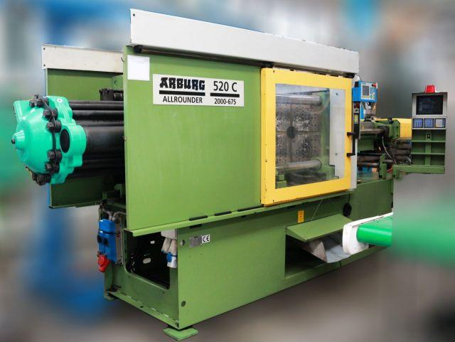 Máquina de moldeo por inyección de plásticos ARBURG 520 C 2000-675 1997