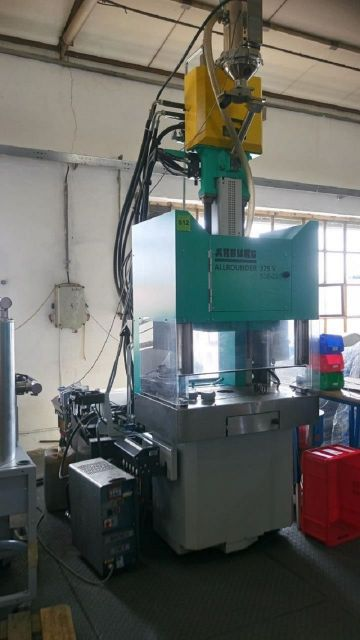 Plastics Injection Molding Machine ARBURG Allrounder 375 V 500 2017