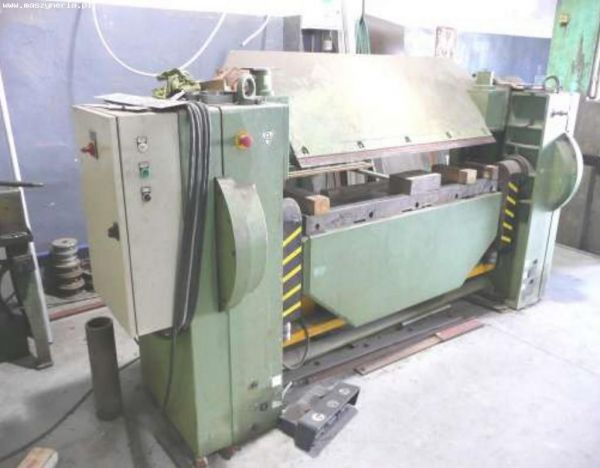 Folding Machines for sheet metal OZAMECH KM 7 / 1500 2004