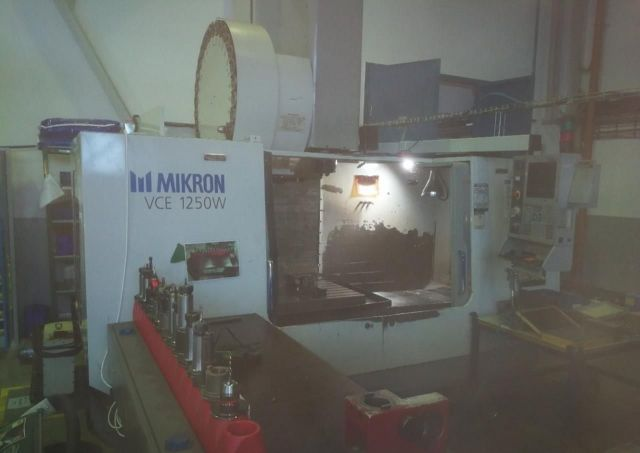 CNC Vertical Machining Center HAAS MIKRON VCE 1250W 2001