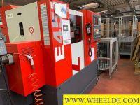 Torno CNC enfrentando EMCO  E45 EMCO  E45