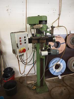 Werkzeugschleifmaschine Henninger ZS 100 1977