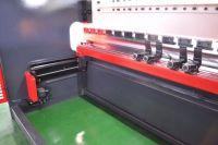 Pressa piegatrice idraulica di CNC Emerson 3200 x 135 ton 2021-Foto 4