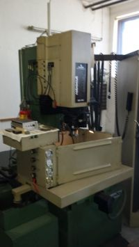 Senkerodiermaschine CHARMILLES ROBOCUT 220 CNC