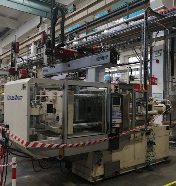 Plastics Injection Molding Machine KRAUSS MAFFEI 110 - 700 C2 1997