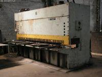 NC hydraulické gilotíny v šmyku STROJARNE PIESOK CNTA 3150/16