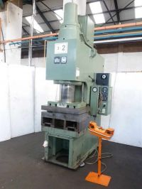 C Frame Hydraulic Press WMW PYE 250 S/1M
