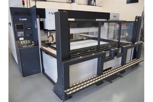 Máquina de corte por láser 2D LVD HELIUS 2513 2003