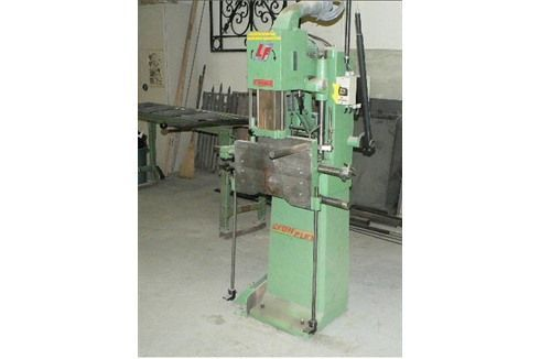 Vertikal slissing maskin LYONFLEX 2056 1990