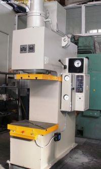 C ramme hydraulisk trykk VEB Wema Zeulenroda PYE 100 S/1M