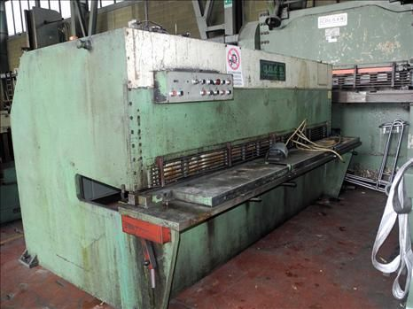 Hydraulic Guillotine Shear G.A.D.E. CO 30/4 1981