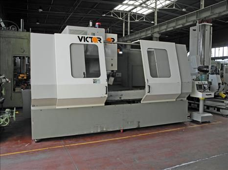 CNC Vertical Machining Center VICTOR VCENTER-140 1998