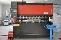 Pressa piegatrice idraulica di NC AMADA FBD 8025