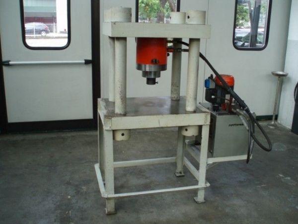 Prasa hydrauliczna bramowa RARIPRESS BS-1504-RO/A.SPC 1995