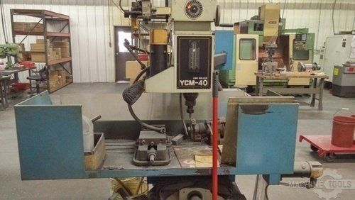 CNC Milling Machine SUPERMAX YCM-40 1997