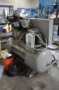 Compresseur à piston INGERSOLL RAND 15 T