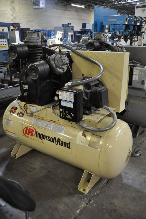 Piston Compressor INGERSOLL RAND 15 T 2004