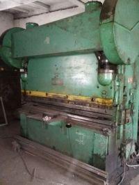 Mechanické ohraňovacie lis STANKOIMPORT И 1330