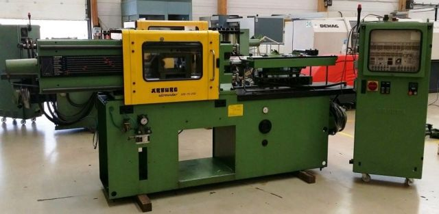 Plastics Injection Molding Machine ARBURG 220 - 75 - 250 1988