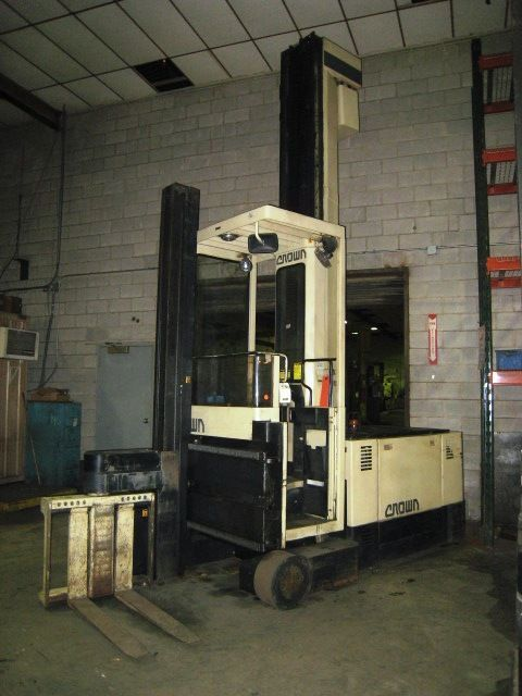 Side loading Forklift CROWN 40TS-S 1990