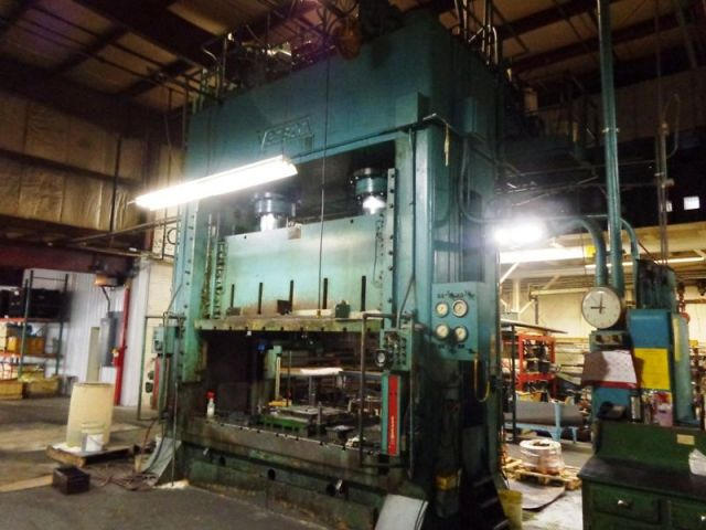 H Frame Hydraulic Press VERSON 600 HD 1968