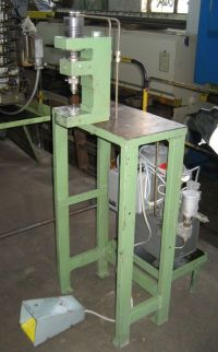 C Frame Hydraulic Press EIGENBAU 2 T 1990-Photo 2