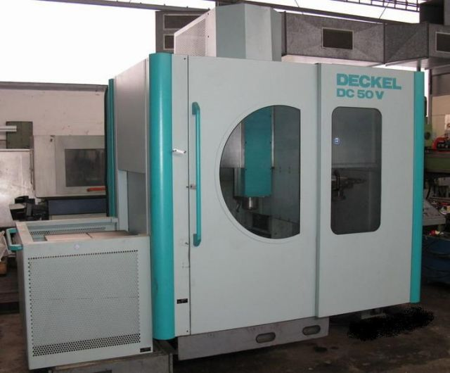 CNC centro de usinagem vertical DECKEL DC 50 V 1994